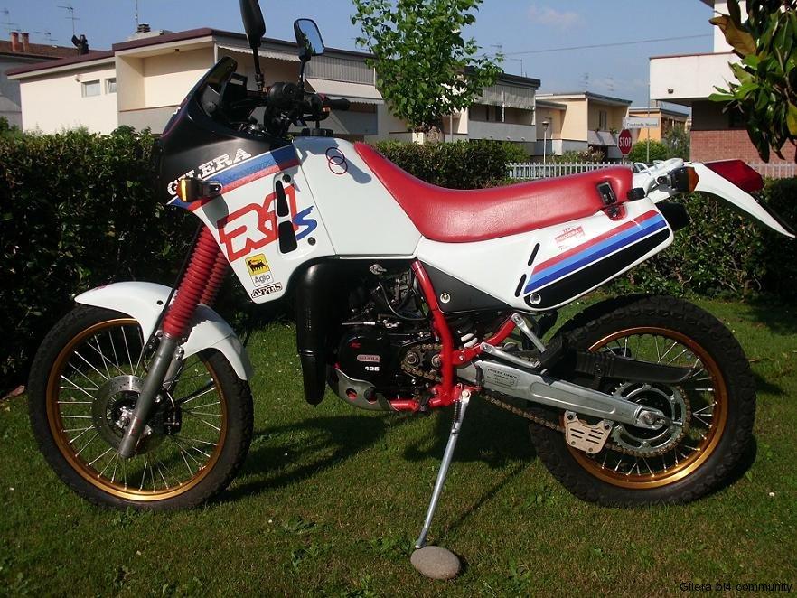 Gilera R1S 125